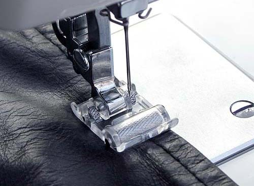 Sewing a velvet fabric.