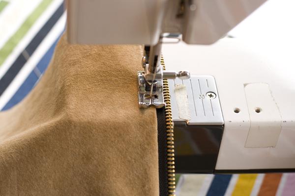 Installing zipper.
