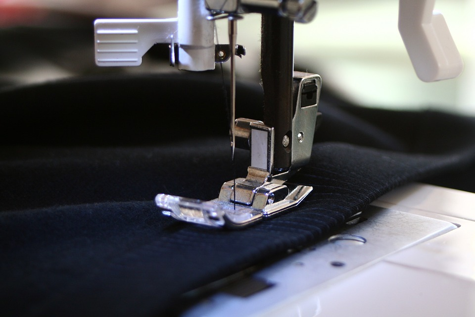Several useful tips for sewing stretch fabrics